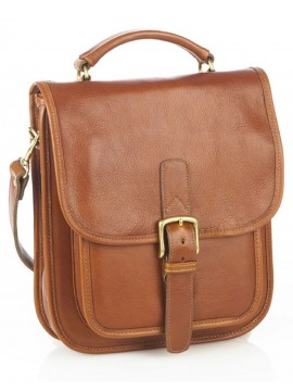 Medium Shoulder Bag w/Buckle Closure