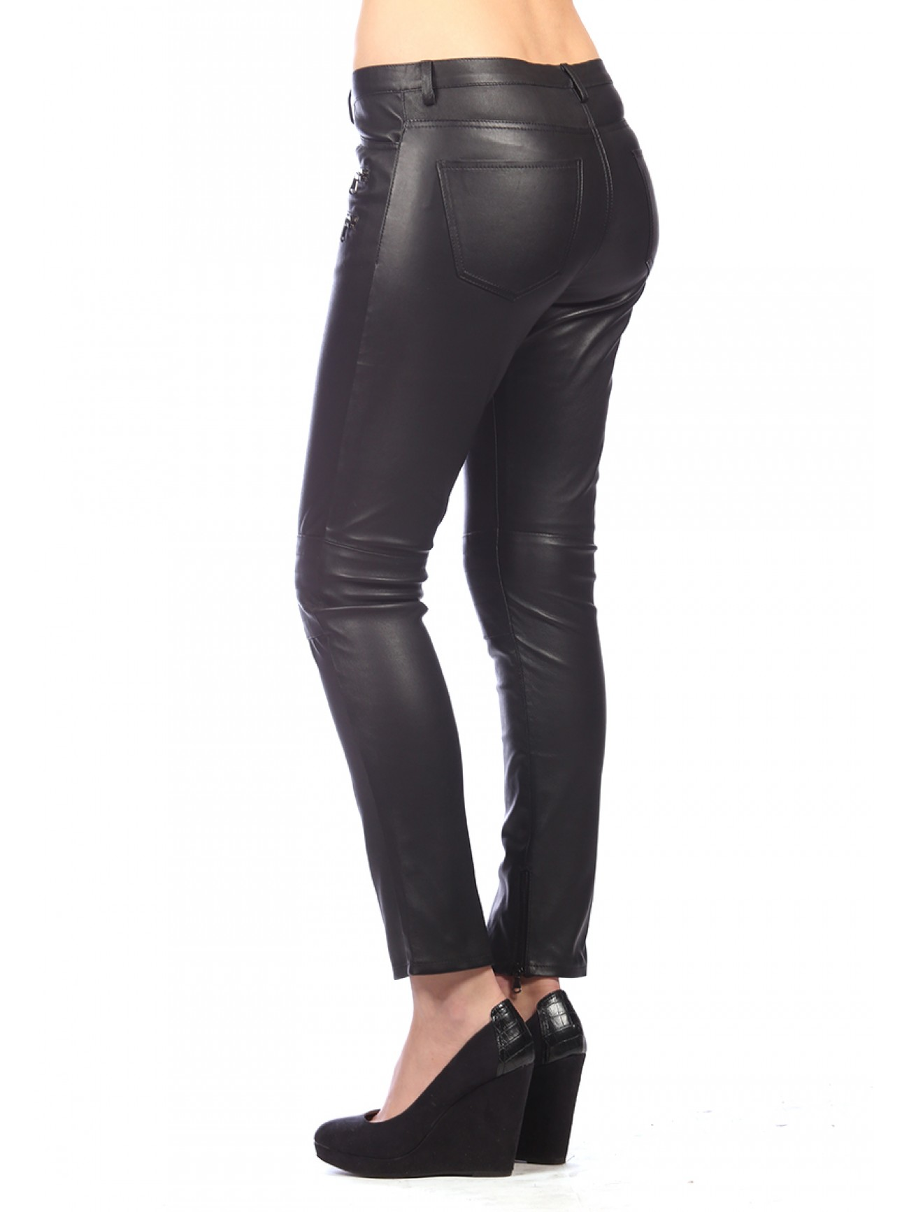 Appealing as the idea of leather trousers is, the reality is that they won't actually look good on me. Leather trousers look best on the young and skinny, and people who are young and skinny are.